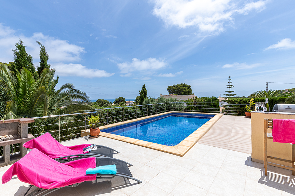 Azur, Wonderful and cheerful villa in Benissa, on the Costa Blanca, Spain  with private pool for 8 persons.....