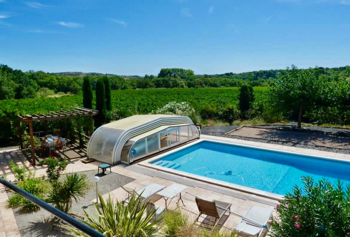 Villa malota, Large and comfortable villa  with private pool in Roujan, Languedoc-Roussillon, France for 8 persons...