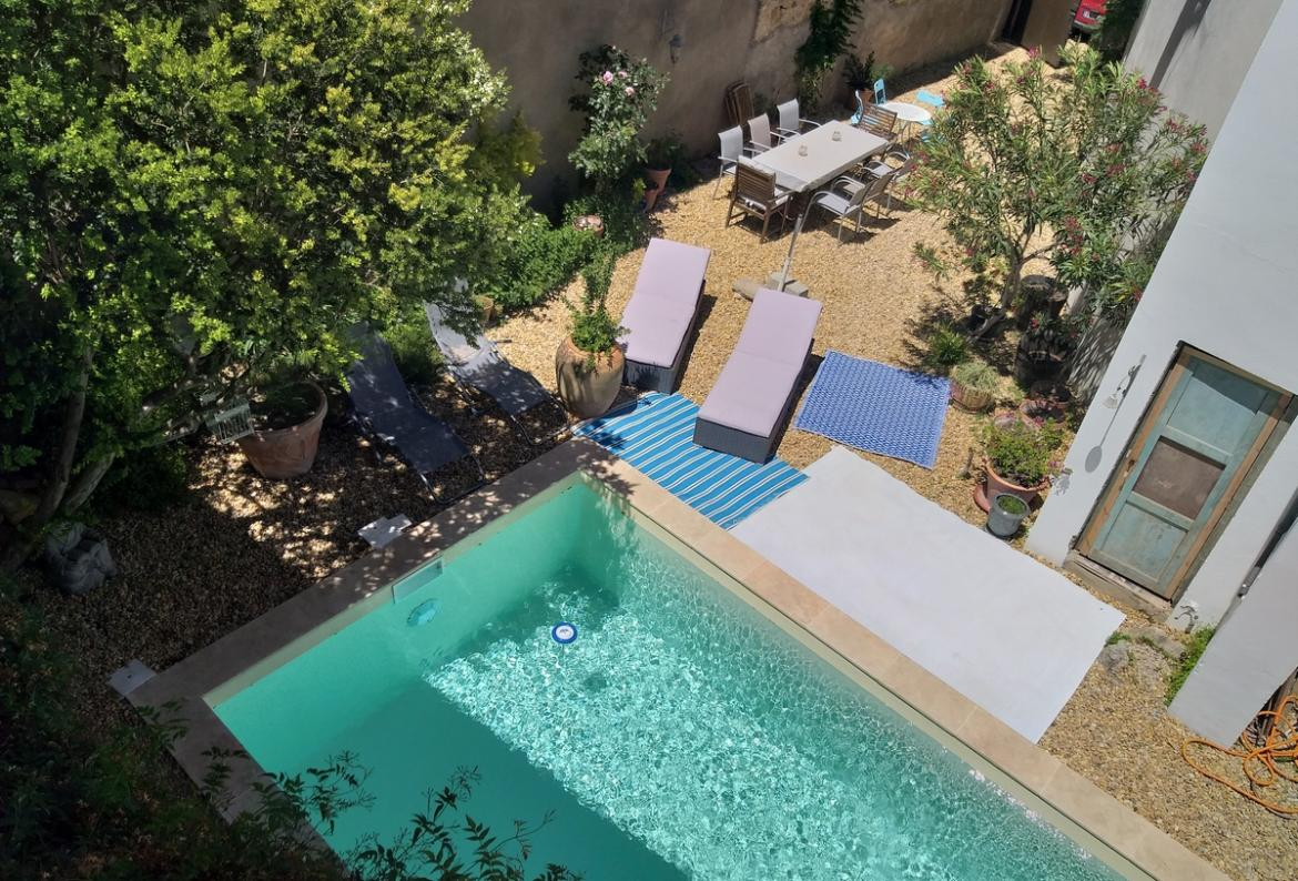Villa aimée, Large and classic house  with private pool in Roujan, Languedoc-Roussillon, France for 12 persons...