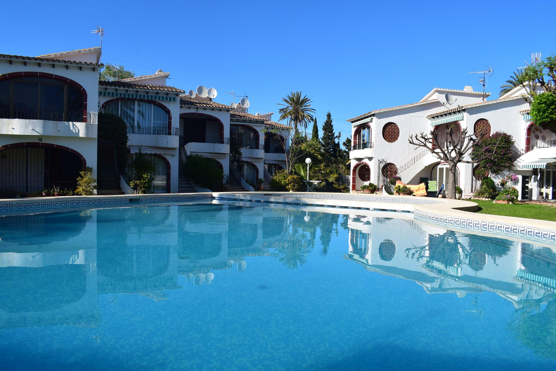 AP1117 Las Cabañas I Les Marines, Beautiful and comfortable apartment  with communal pool in Denia, on the Costa Blanca, Spain for 4 persons.....