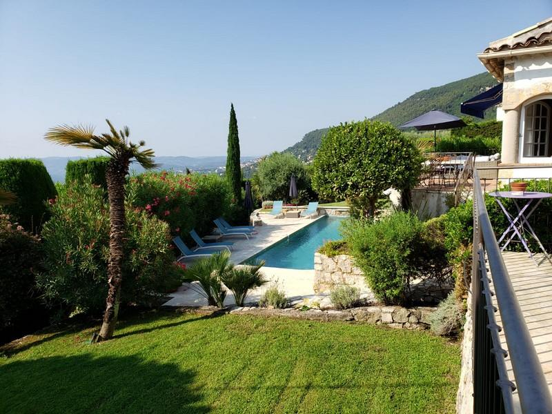 Villa maganosc, Beautiful and  luxury villa in Magagnosc, on the Cote d'Azur, France  with heated pool for 6 persons...