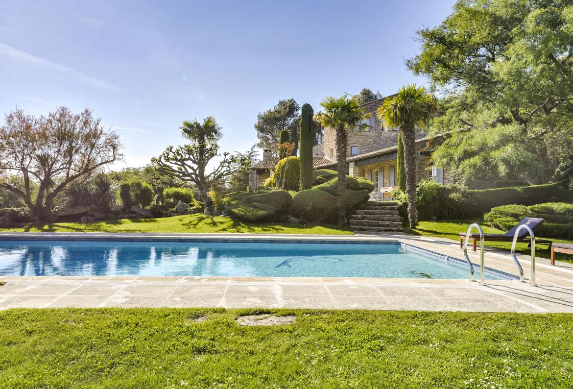 Splendid mas provencal, Beautiful and luxury country house in Bonnieux, in the Provence, France  with heated pool for 21 persons...