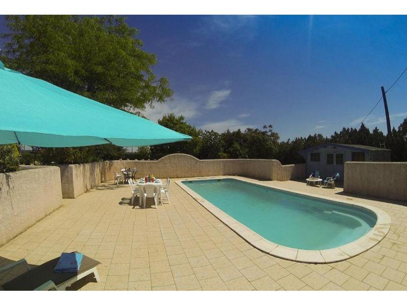 Lavender gite at domaine du pin,Belle maison de vacances confortable  avec piscine privée à Béziers, Languedoc-Roussillon, France pour 6 personnes...