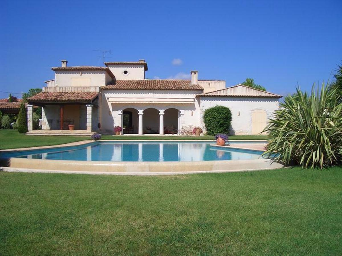 Villa fortune,Beautiful and  luxury villa  with private pool in Antibes, on the Cote d'Azur, France for 8 persons...