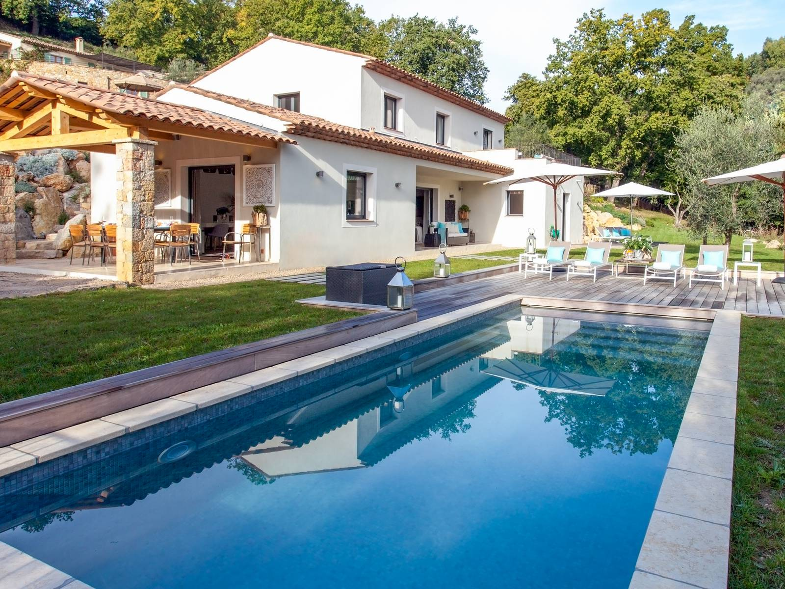 Villa jasmin, Modern and  luxury villa in Grasse, in the Provence, France  with heated pool for 8 persons...