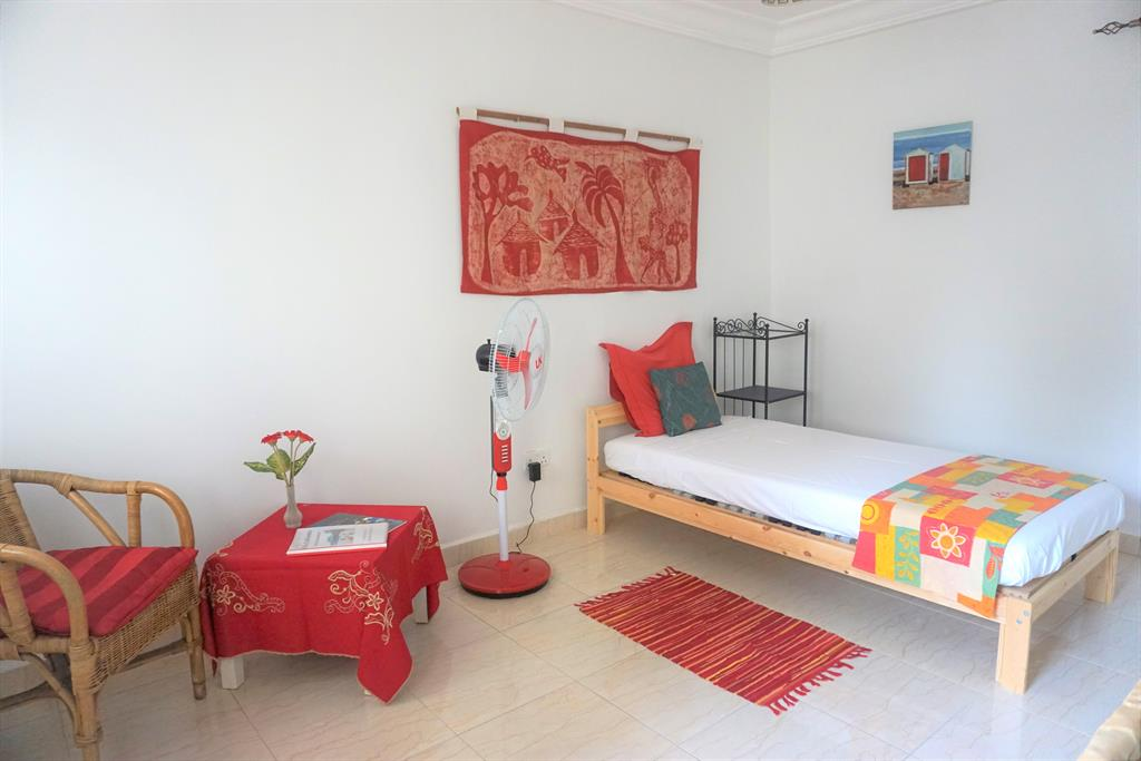 Calliandra red,Hotel room in Bijilo, Senegambia, Gambia for 1 persons...