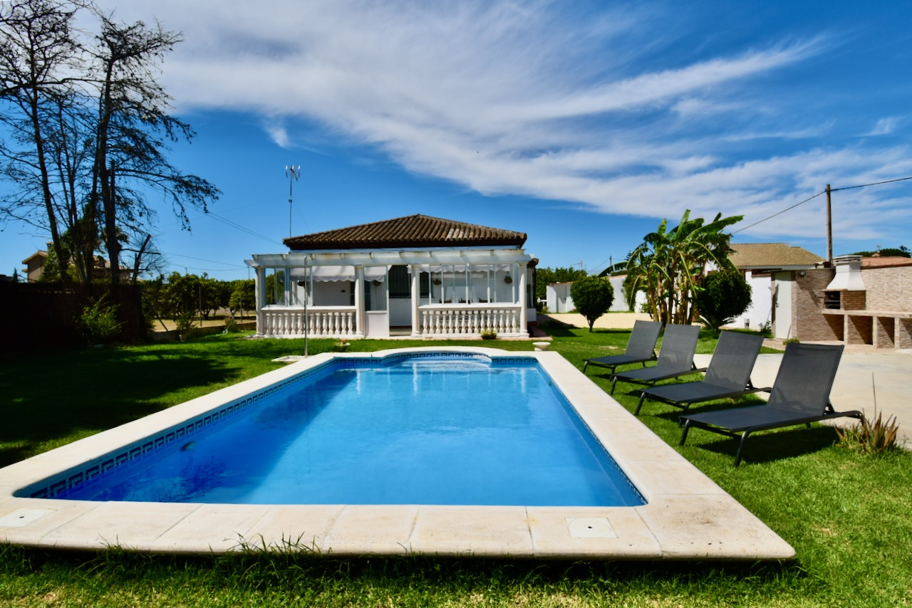 La Laguna, Wonderful and comfortable villa  with private pool in Chiclana de la Frontera, Andalusia, Spain for 6 persons.....