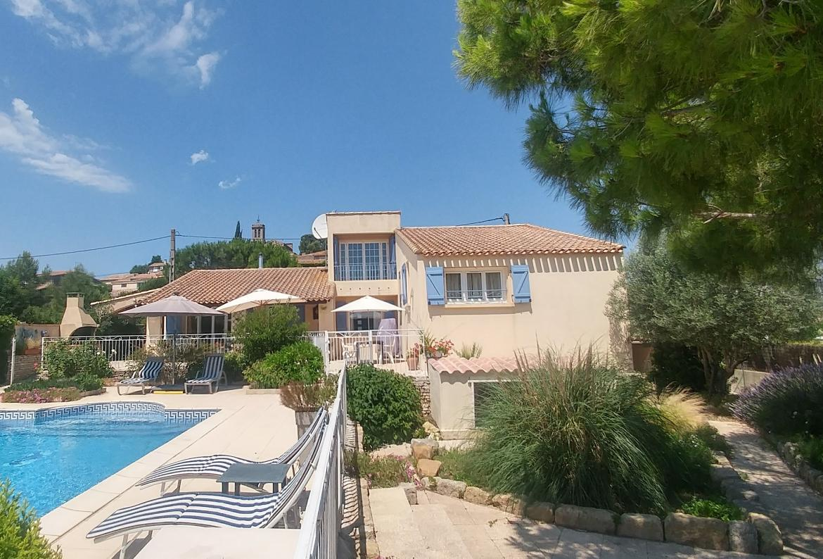 Lovely villa  at st pons de mauchiens, Large and comfortable villa  with private pool in St Pons de Mauchiens, Languedoc Roussillon, France for 9 persons...