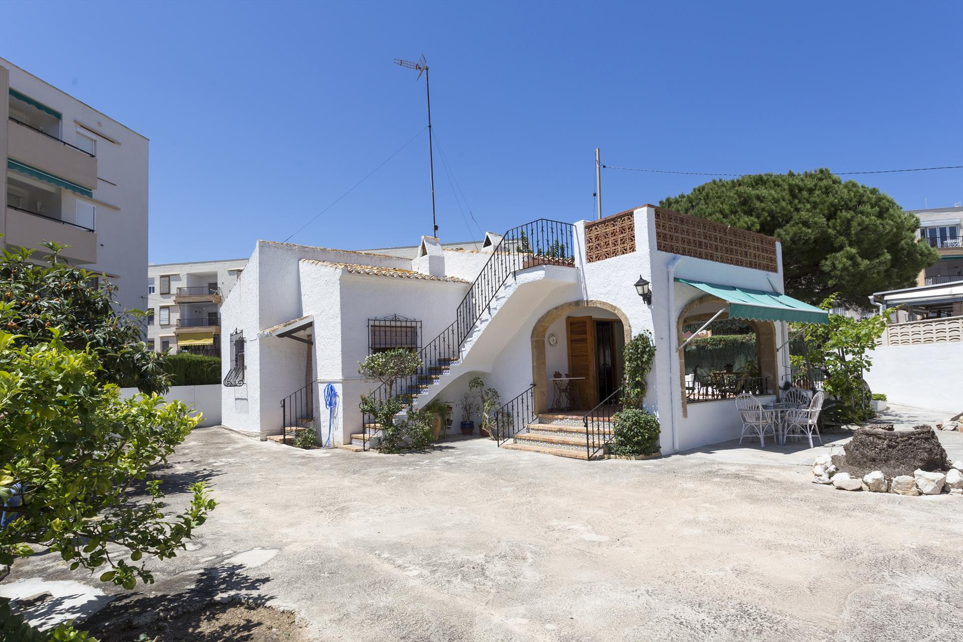 La Caseta de la Güela, Lovely and nice holiday home in Javea, on the Costa Blanca, Spain for 6 persons...
