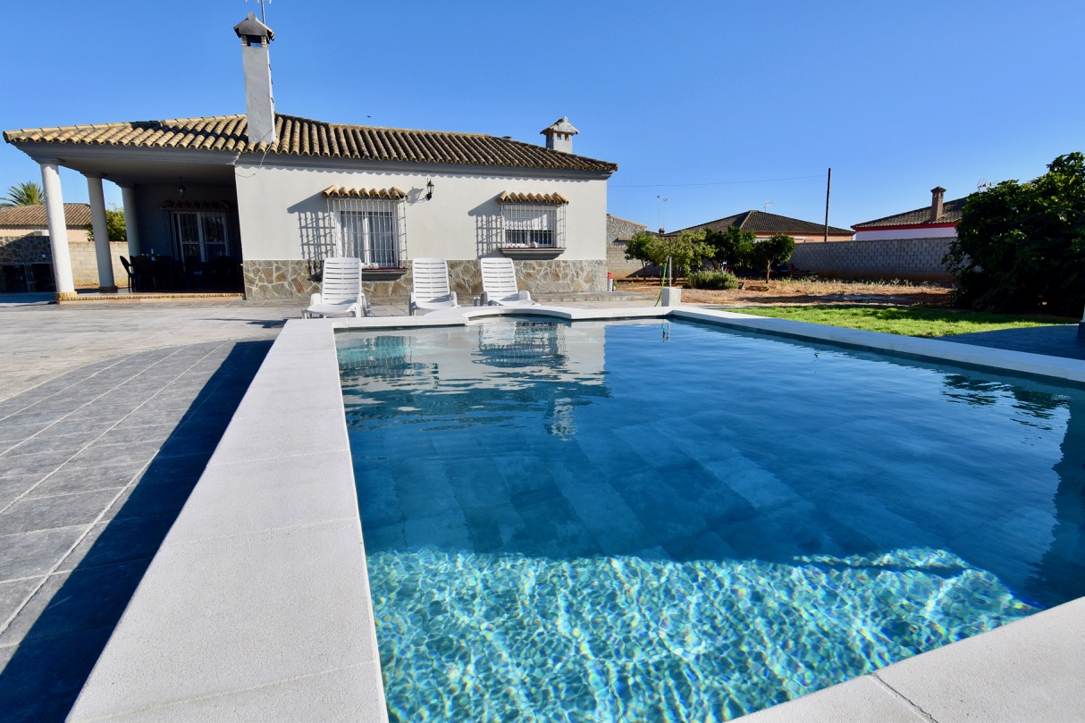 Calcita, Lovely and comfortable villa  with private pool in Chiclana de la Frontera, Andalusia, Spain for 6 persons.....