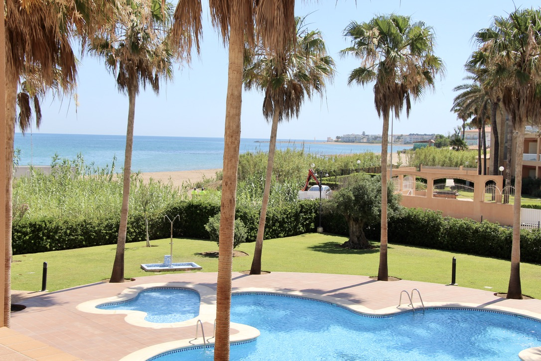 El Amanecer 76, Beautiful apartment in Denia, on the Costa Blanca, Spain  with communal pool for 4 persons.....