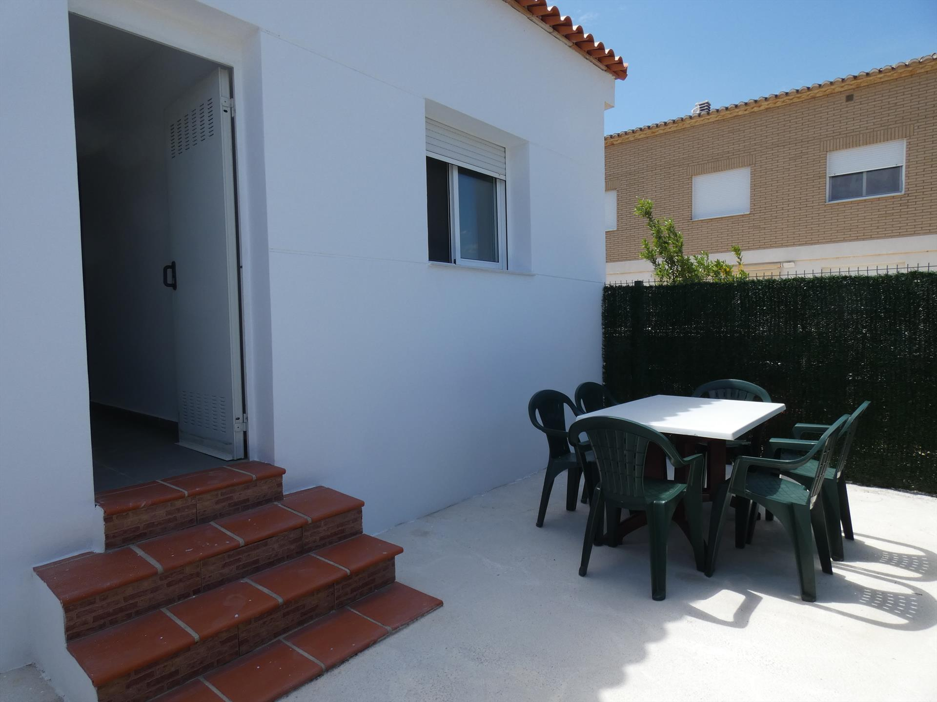 CH260 Aigua Blanca Sector 5, Modern and comfortable holiday house  with private pool in Oliva, on the Costa Blanca, Spain for 6 persons.....
