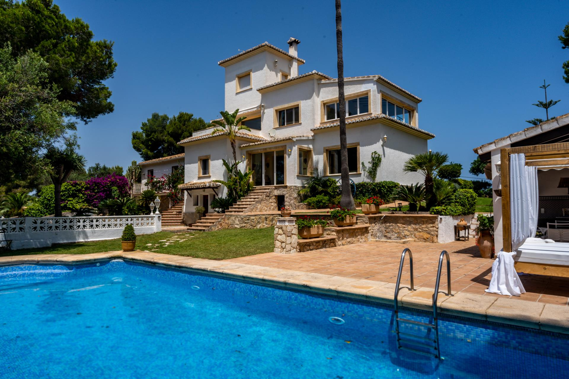 Infantes, Large and nice villa  with private pool in Javea, on the Costa Blanca, Spain for 16 persons.....