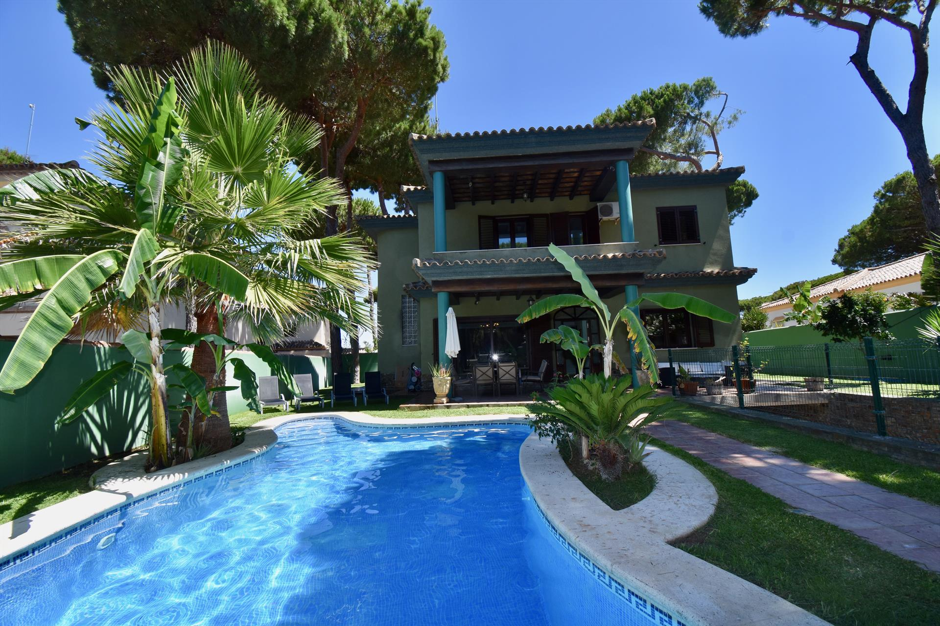 Santa Maria, Large and comfortable villa  with private pool in Chiclana de la Frontera, Andalusia, Spain for 9 persons.....
