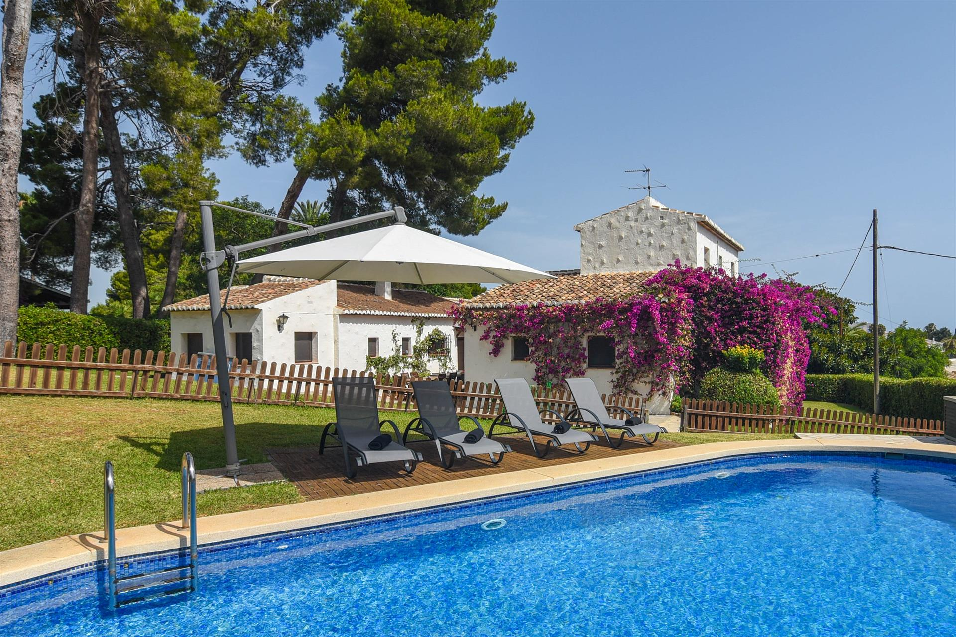 El Pino, Large and classic villa  with private pool in Javea, on the Costa Blanca, Spain for 18 persons.....