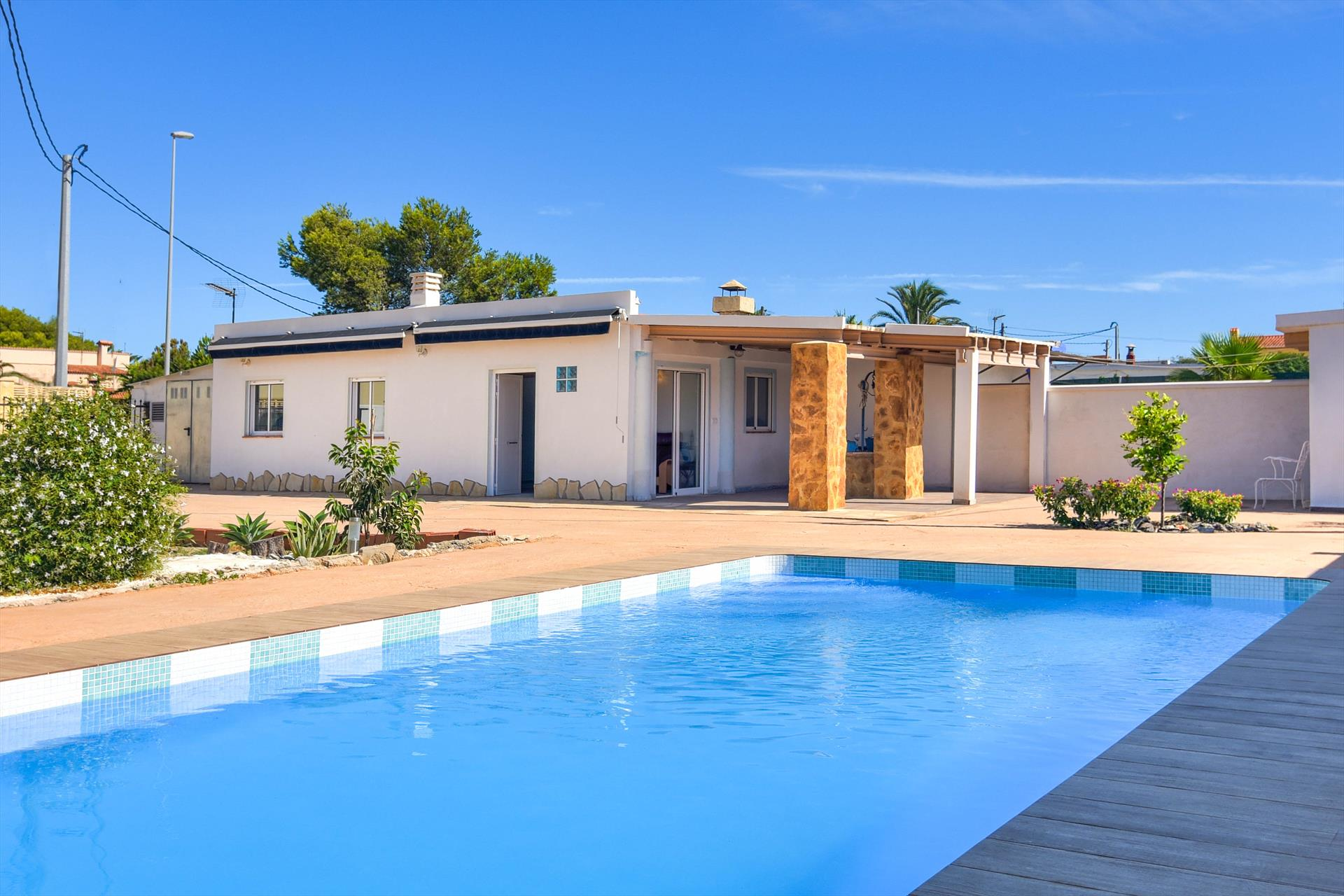 Casita al Mar, Beautiful and cheerful villa  with private pool in Denia, on the Costa Blanca, Spain for 4 persons.....