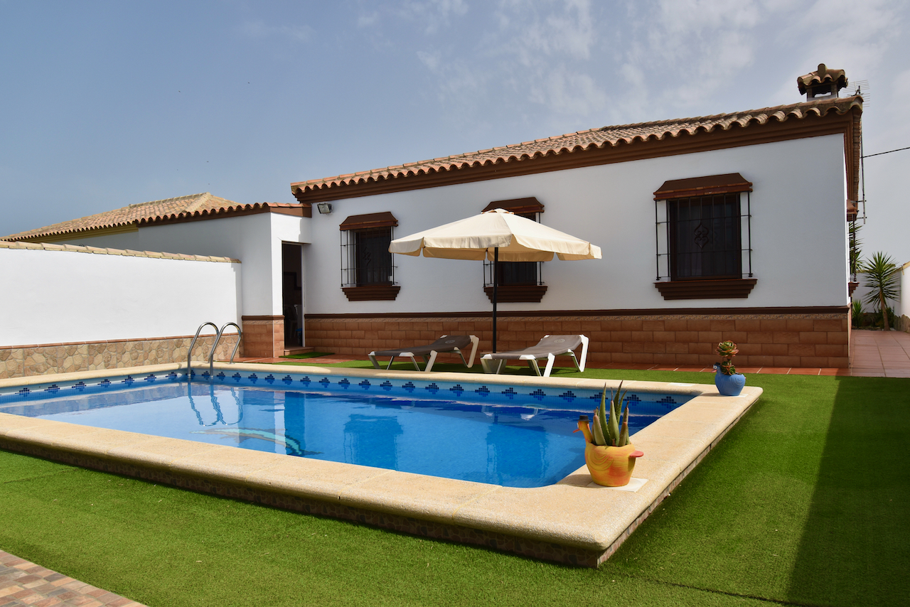 Poniente,Rustic and comfortable house  with private pool in Chiclana de la Frontera, Andalusia, Spain for 8 persons.....