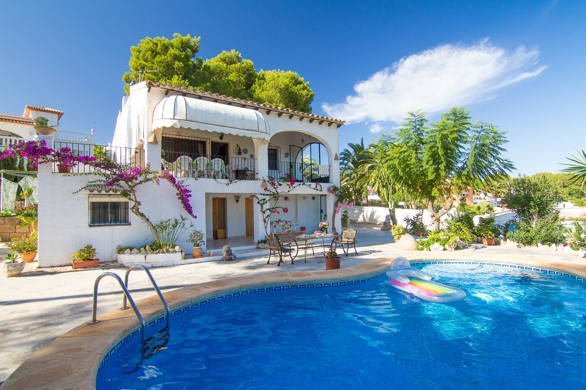 Villa Amoros 8, Lovely and romantic villa  with private pool in Moraira, on the Costa Blanca, Spain for 8 persons.....