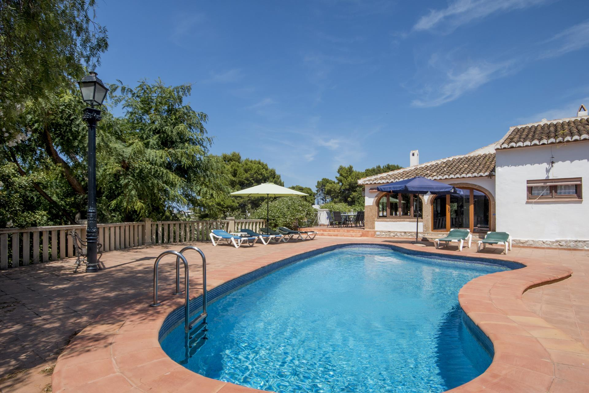 Alison 6, Large and classic villa  with private pool in Javea, on the Costa Blanca, Spain for 6 persons.....