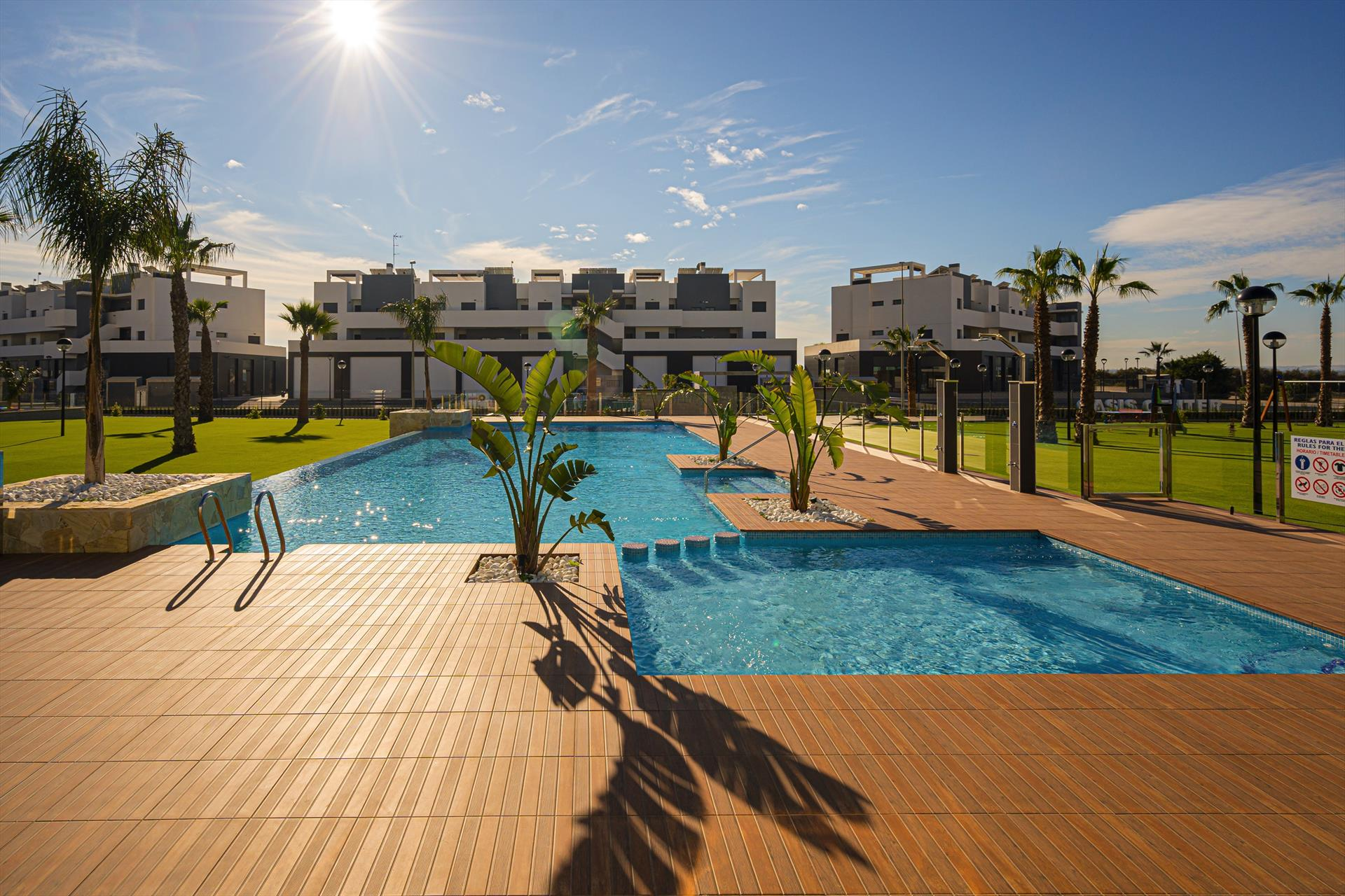 Flamingo Azul, Modern apartment  with communal pool in Guardamar, on the Costa Blanca, Spain for 6 persons.....