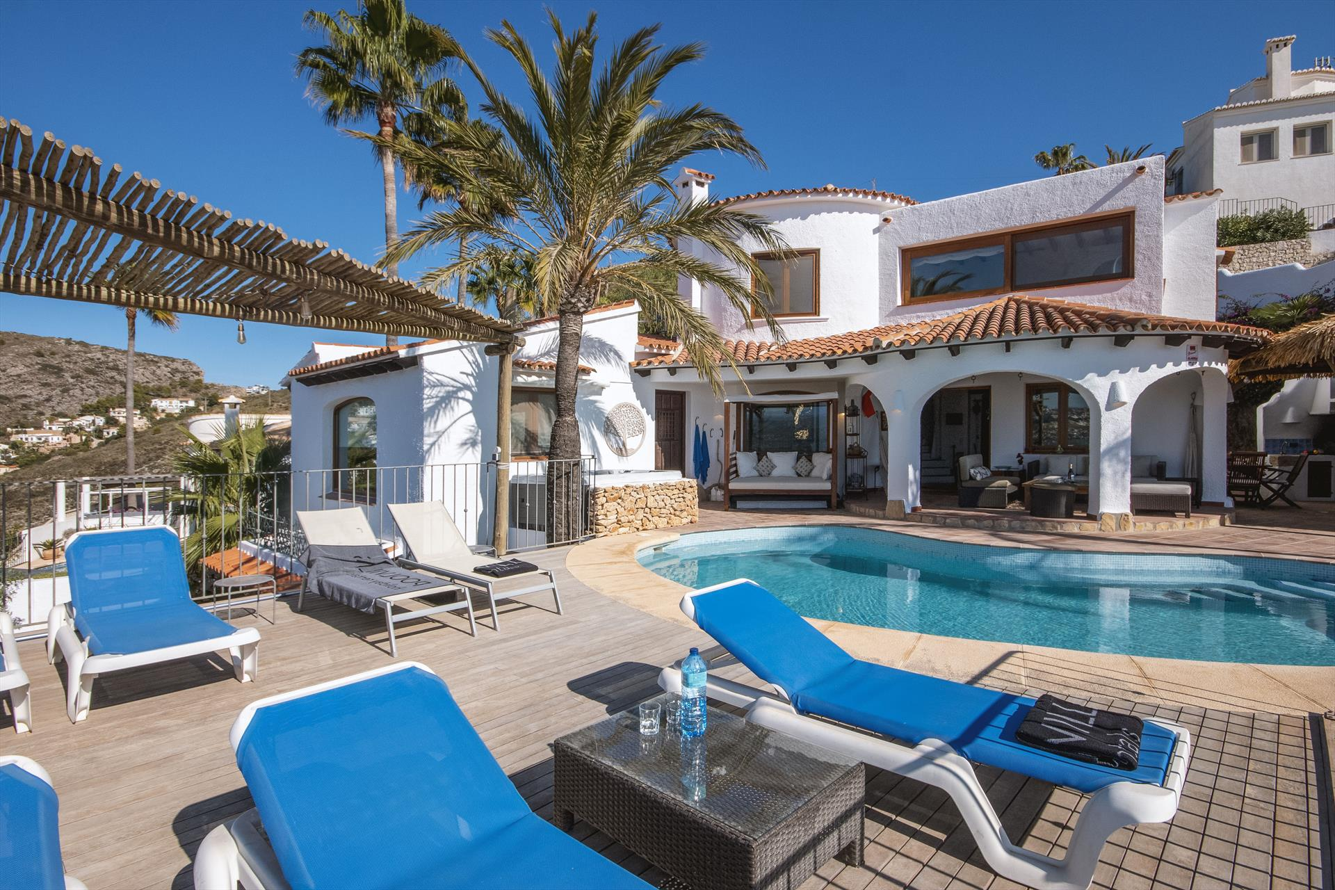 Mira al Mar 6 pax,Large and comfortable villa  with private pool in Moraira, on the Costa Blanca, Spain for 6 persons.....