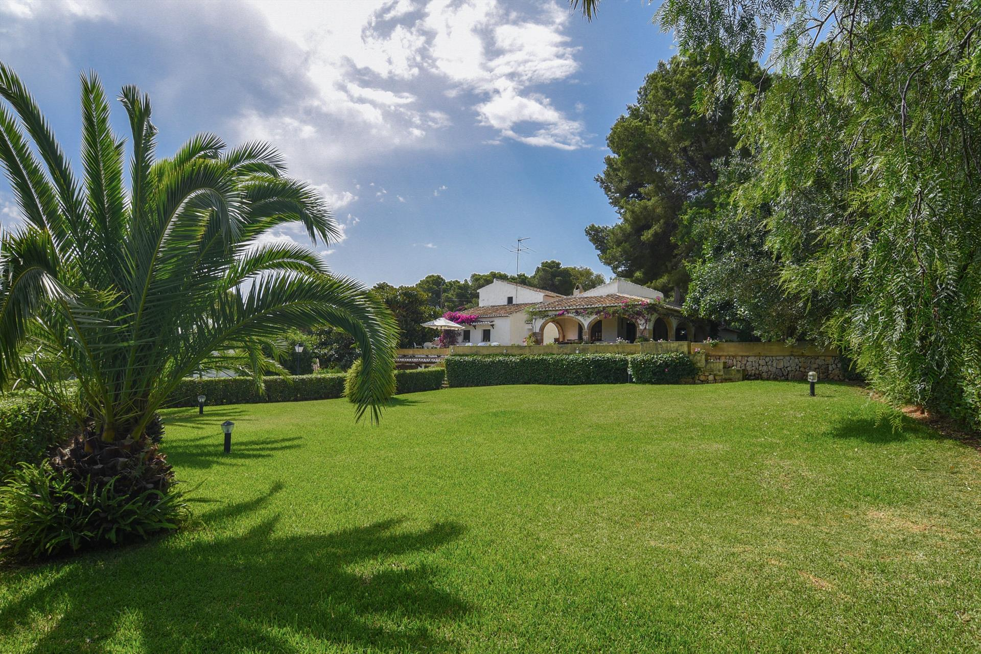 El Pino 14 pax, Large and classic villa in Javea, on the Costa Blanca, Spain  with private pool for 14 persons.....