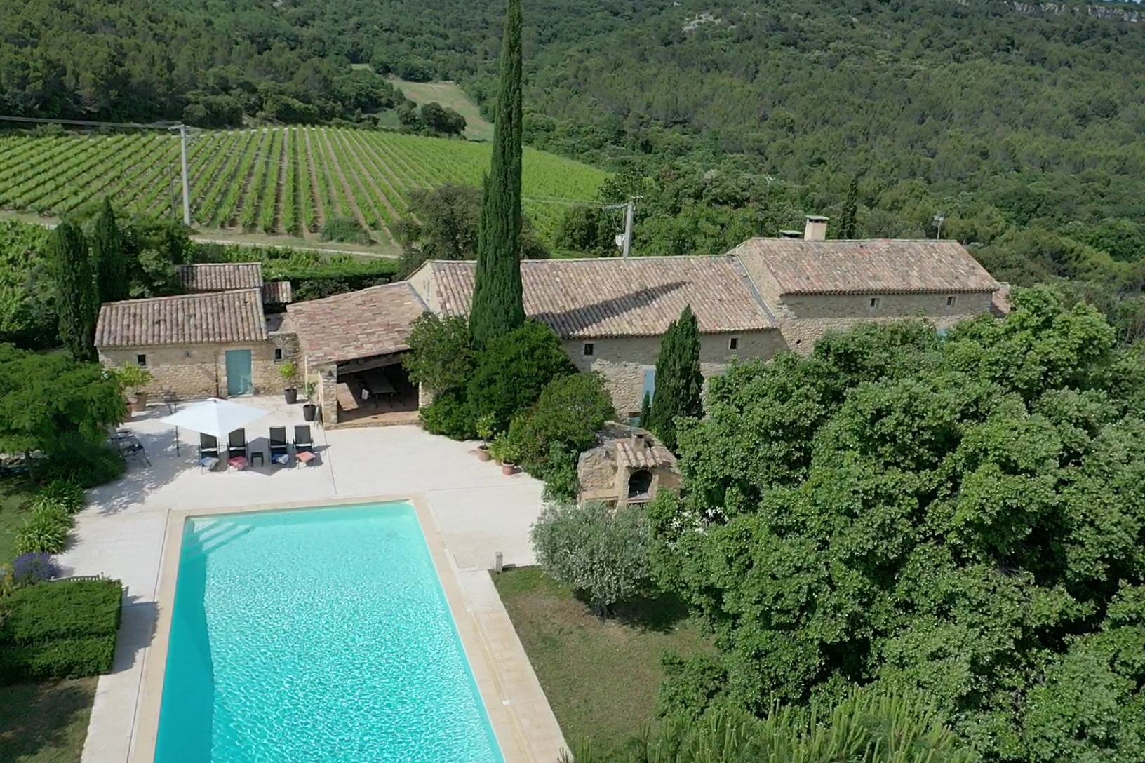 Mas malbos, Wonderful and cheerful villa  with private pool in Laudun-L'ardoise, Languedoc Roussillon, France for 11 persons...