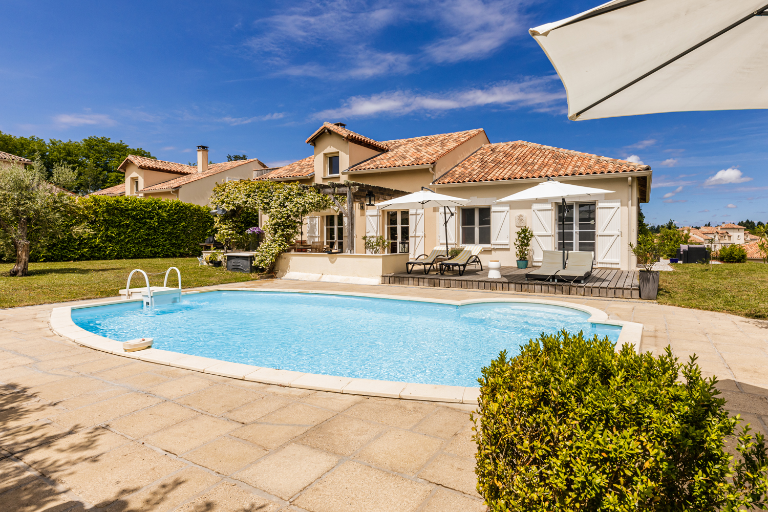 Famber,Villa in Rouzede, Poitou Charentes, France  with private pool for 9 persons...