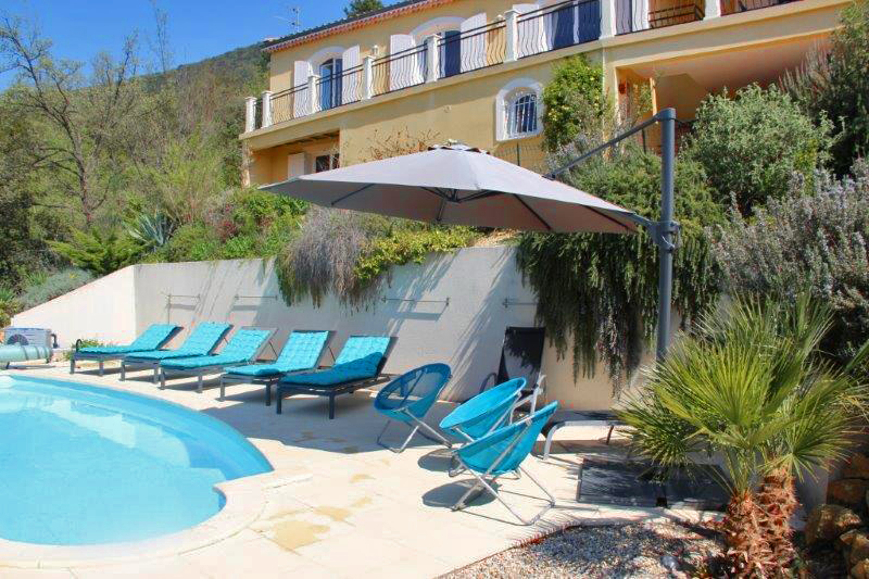 Coeur dabricot, Large and cheerful villa  with heated pool in Nyons, Rhône Alpes, France for 10 persons...