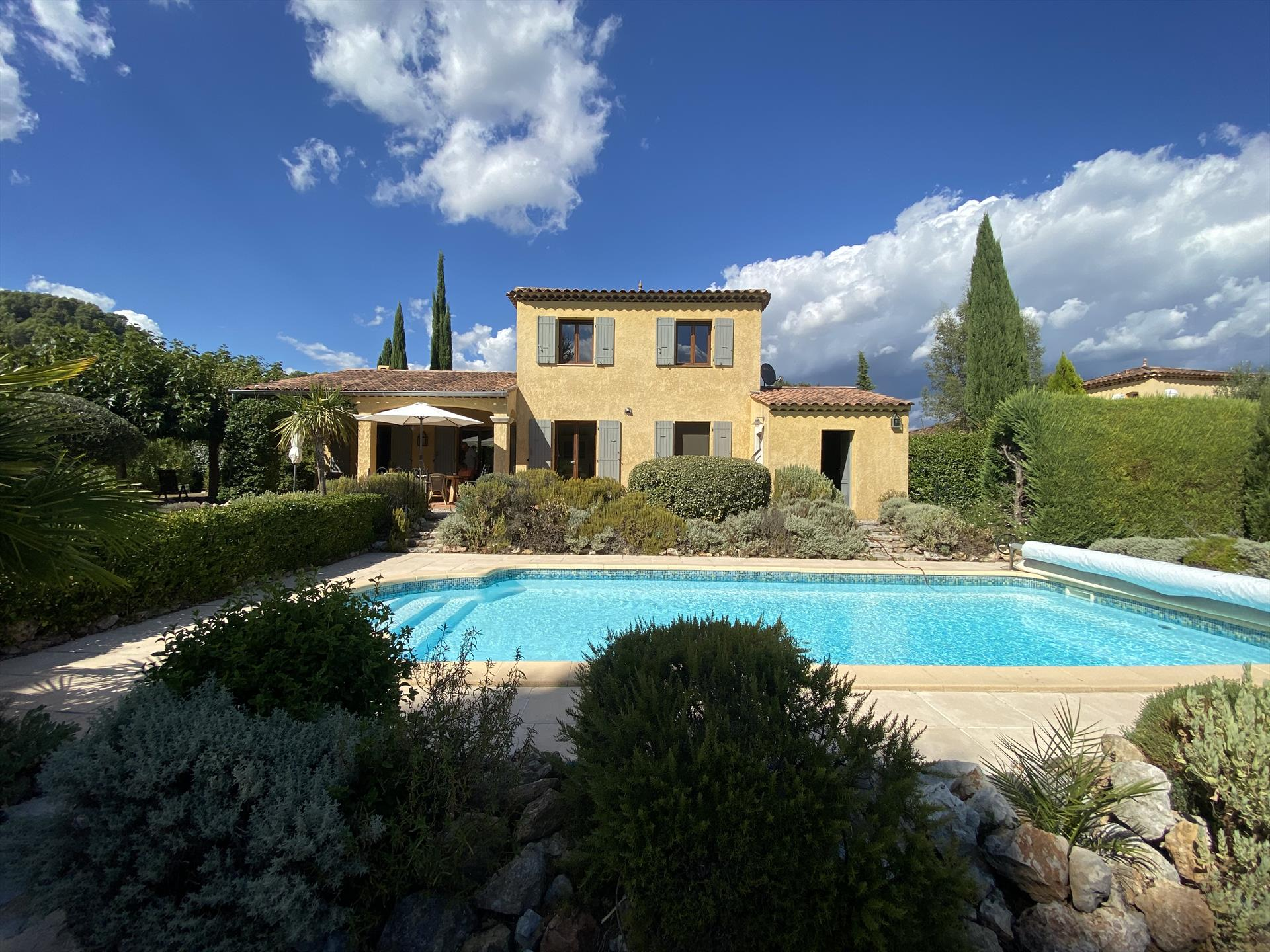 Stokhorst, Beautiful and comfortable villa  with private pool in Salernes, in the Provence, France for 5 persons...
