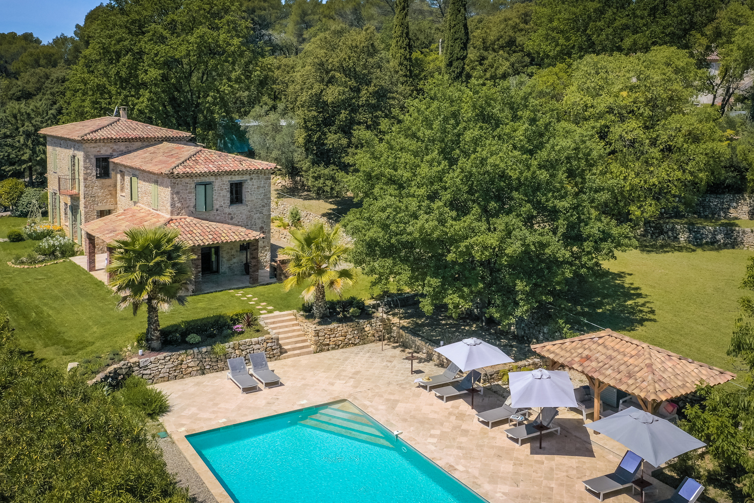 Gina, Wonderful and comfortable villa in Lorgues, in the Provence, France  with heated pool for 10 persons...