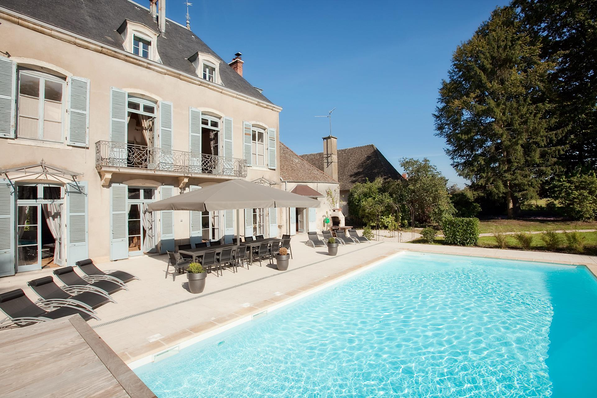 Sima, Wonderful and luxury castle in Lans, Burgundy, France  with heated pool for 14 persons...