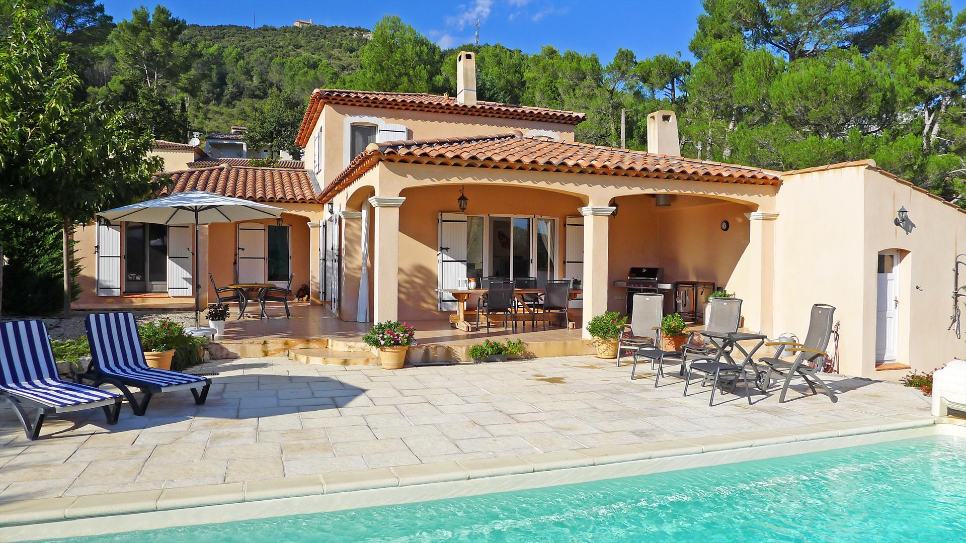 La jolie bastide, Beautiful and comfortable villa in Salernes, in the Provence, France  with private pool for 8 persons...