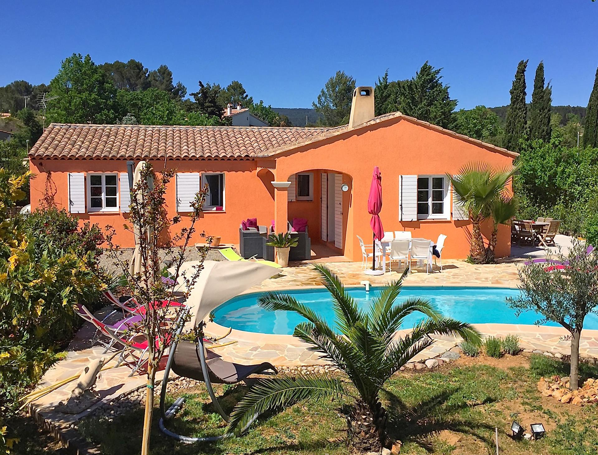 Gineste, Lovely and comfortable villa in Flayosc, in the Provence, France  with private pool for 8 persons...
