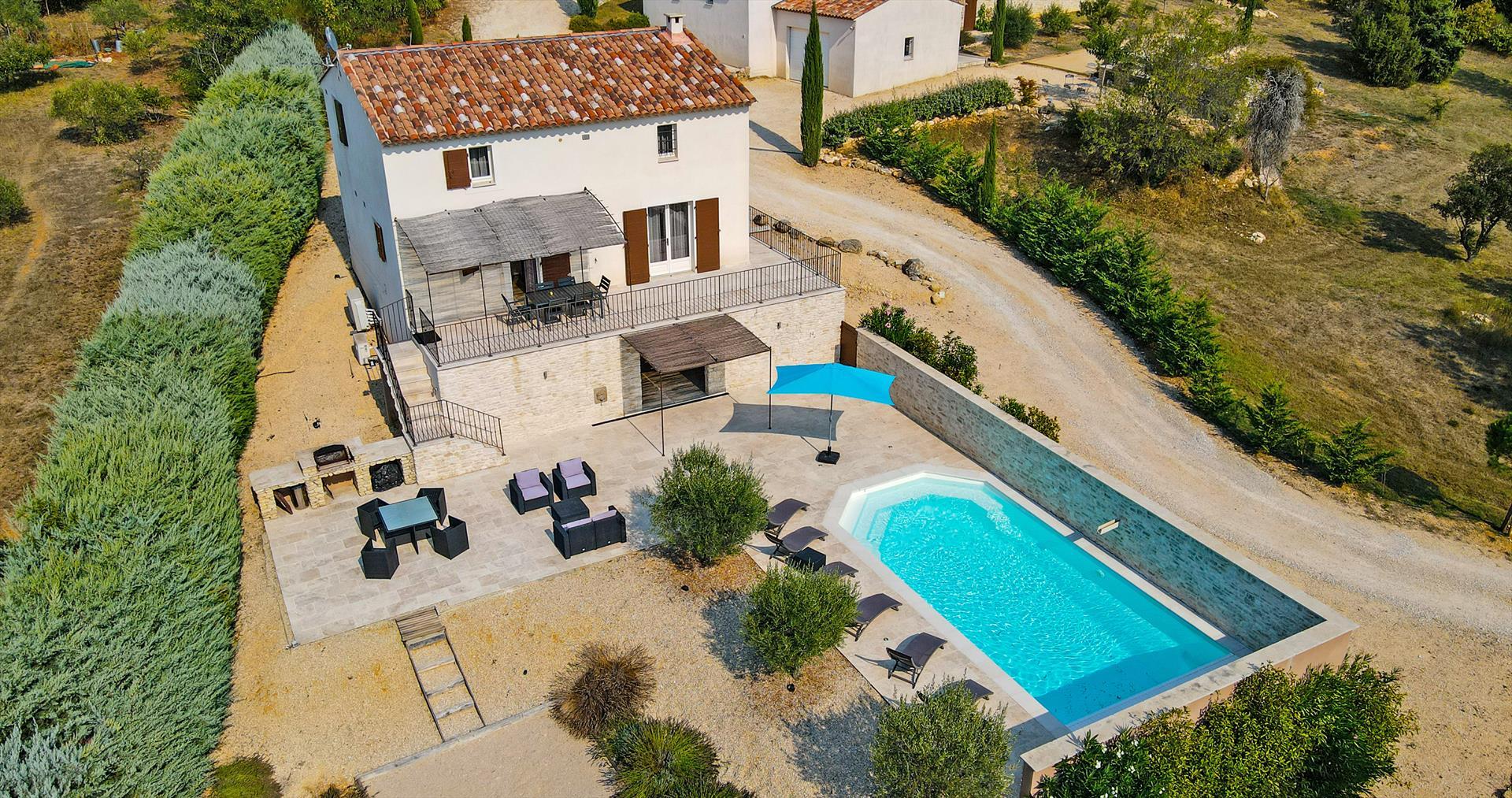 La petite reve,Villa bonita y confortable  con piscina climatizada en Apt, Provence Alpes Cote d'Azur, Francia para 7 personas...