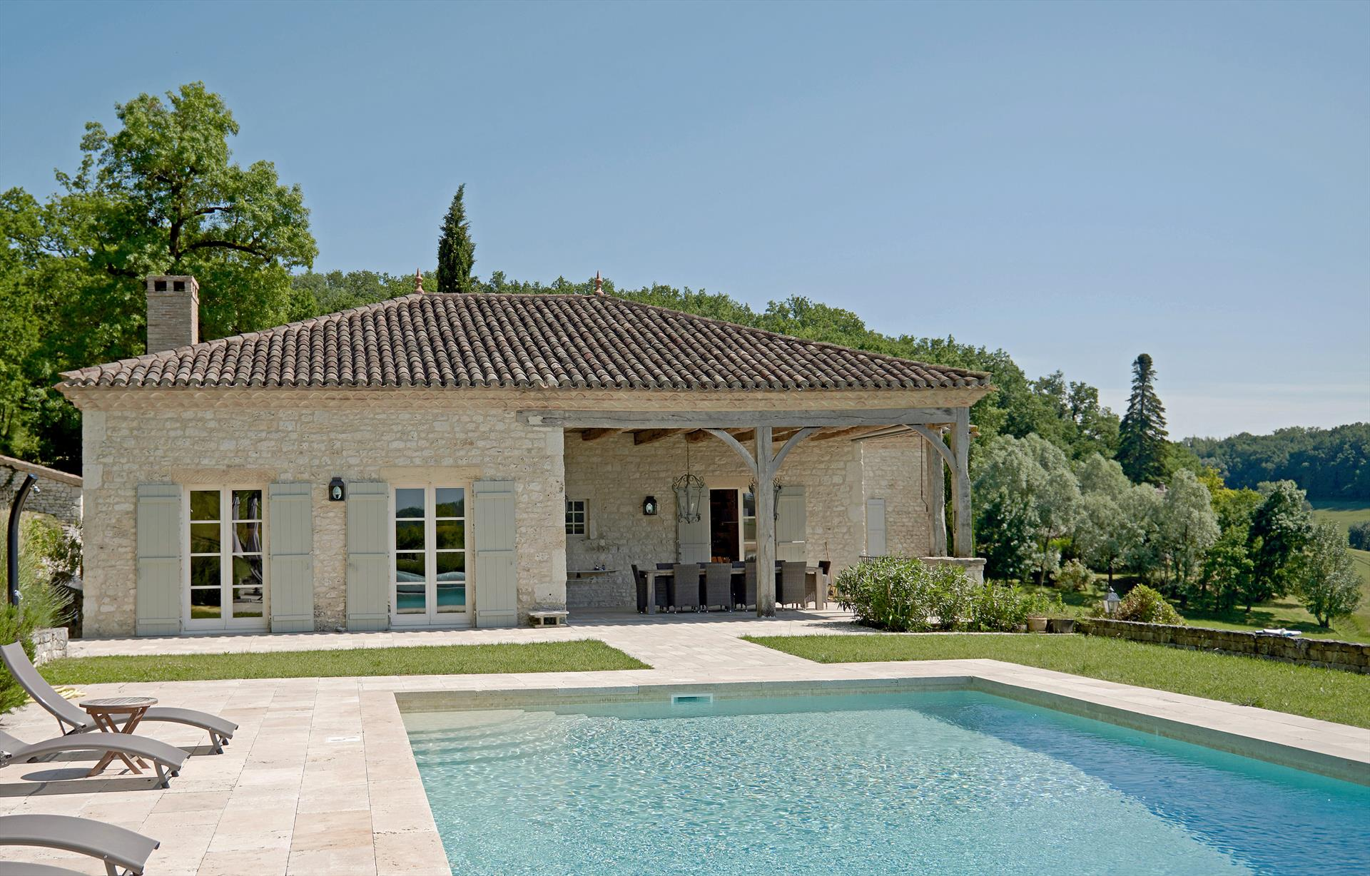 Les collines,Wonderful and  luxury villa in Castelnau Montratier, Midi Pyrénées, France  with heated pool for 12 persons...