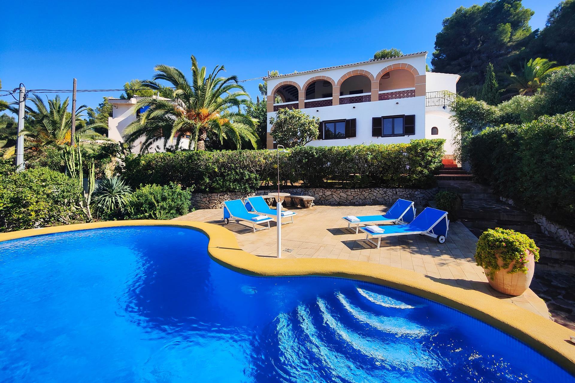 Villa Marta Denia,Rustikale und klassische Villa mit privatem Pool in Denia, an der Costa Blanca, Spanien für 6-7 Personen. Das Haus.....