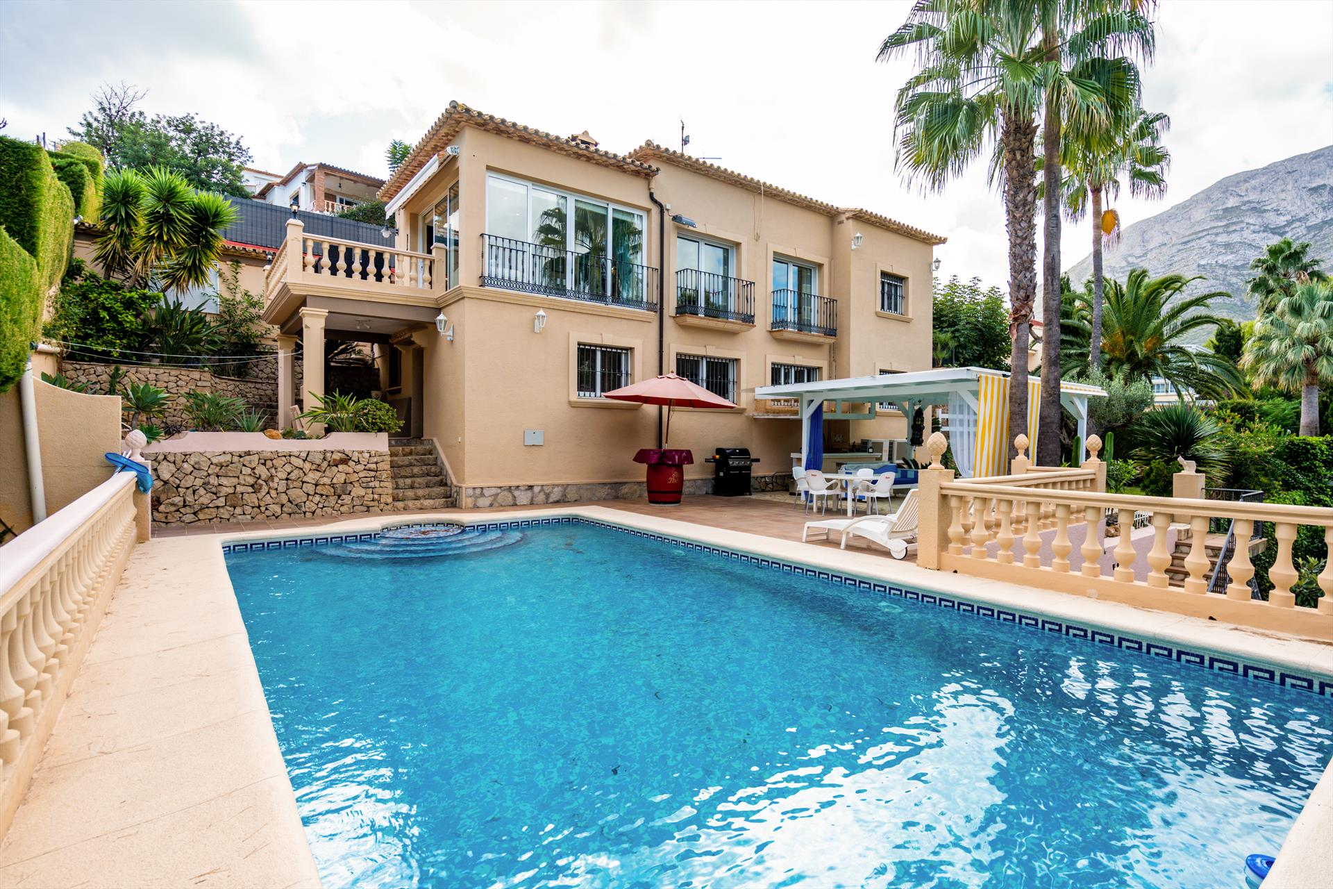 Flavie 8 pax, Large and classic villa in Denia, on the Costa Blanca, Spain  with private pool for 8 persons.....