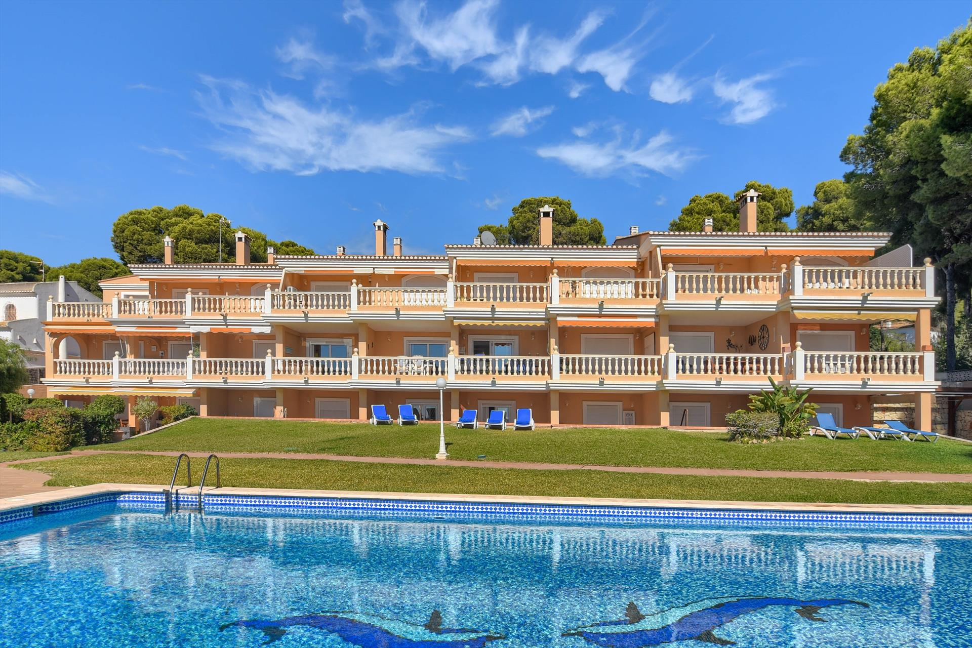 Poolbeach VI, Classic and cheerful apartment in Moraira, on the Costa Blanca, Spain  with communal pool for 6 persons...