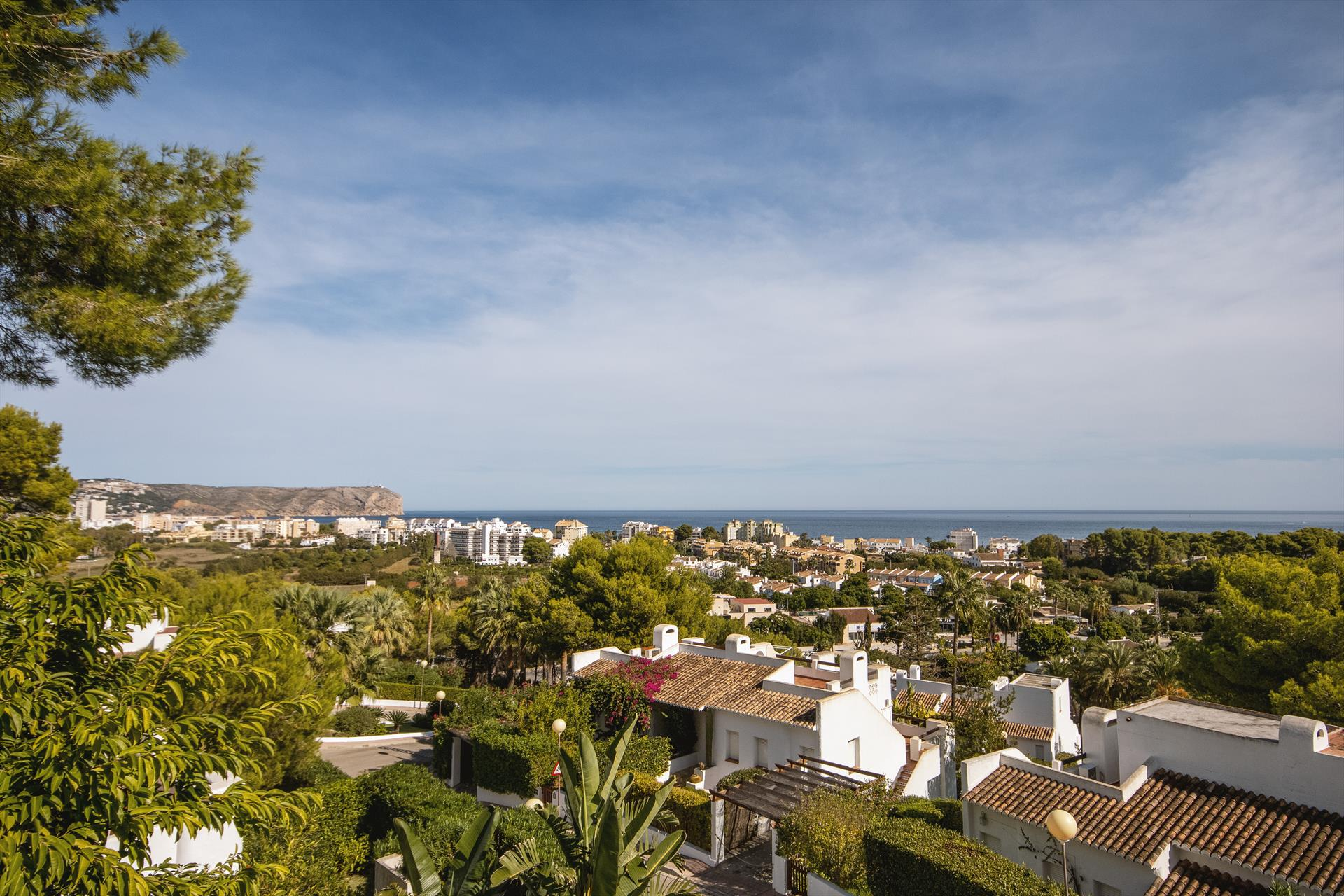 Rodat XXI,Wonderful and cheerful house  with communal pool in Javea, on the Costa Blanca, Spain for 8 persons.....
