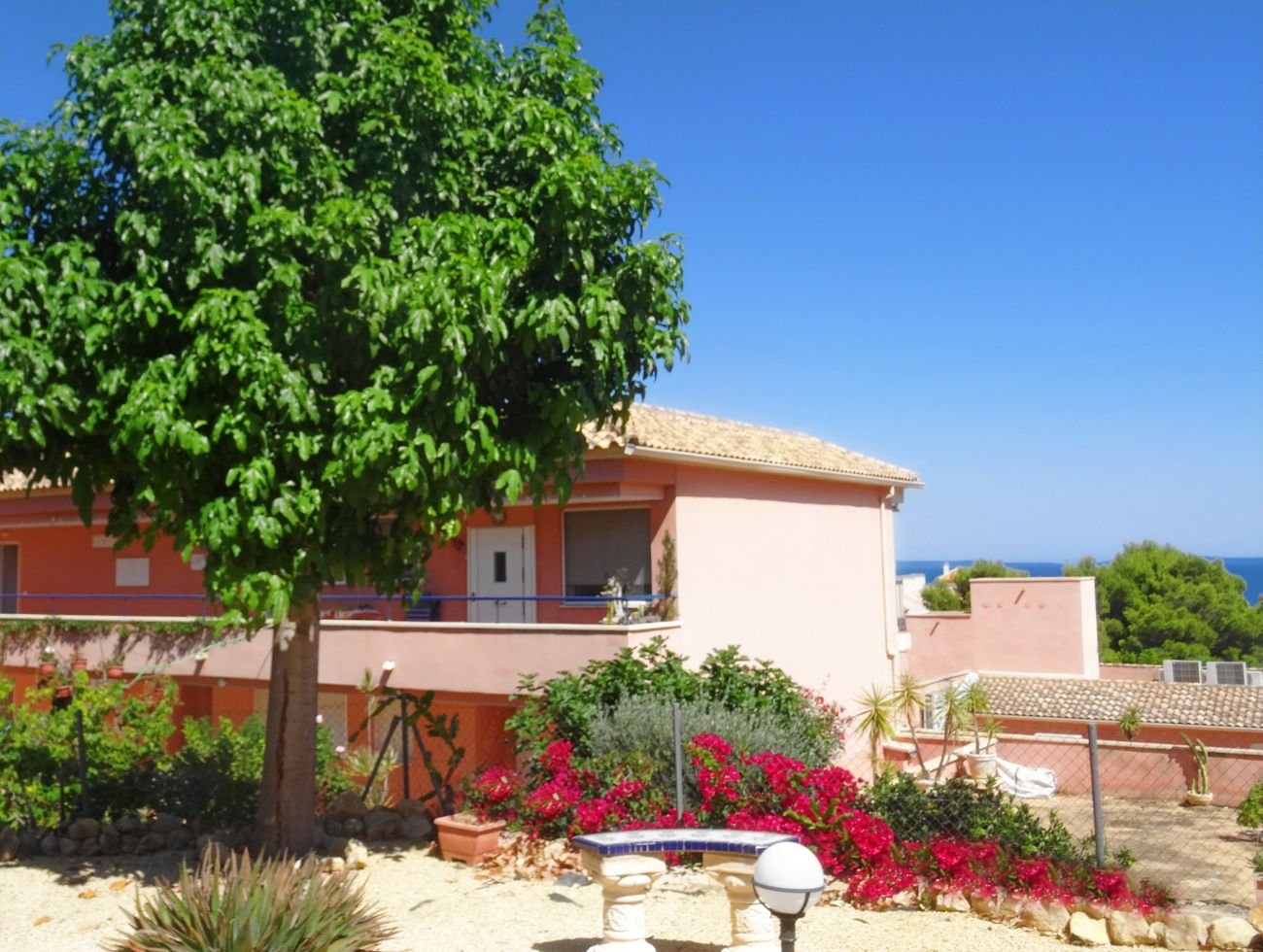 Casa Krimaste,Lovely and cheerful apartment in La Nucia, on the Costa Blanca, Spain for 6 persons.....