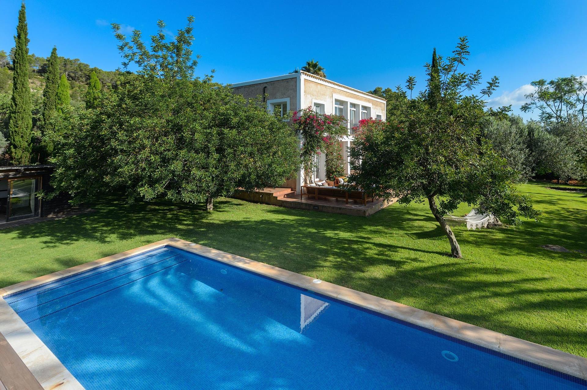 Pranaba,Villa en Santa Gertrudis, Ibiza, España  con piscina privada para 10 personas...