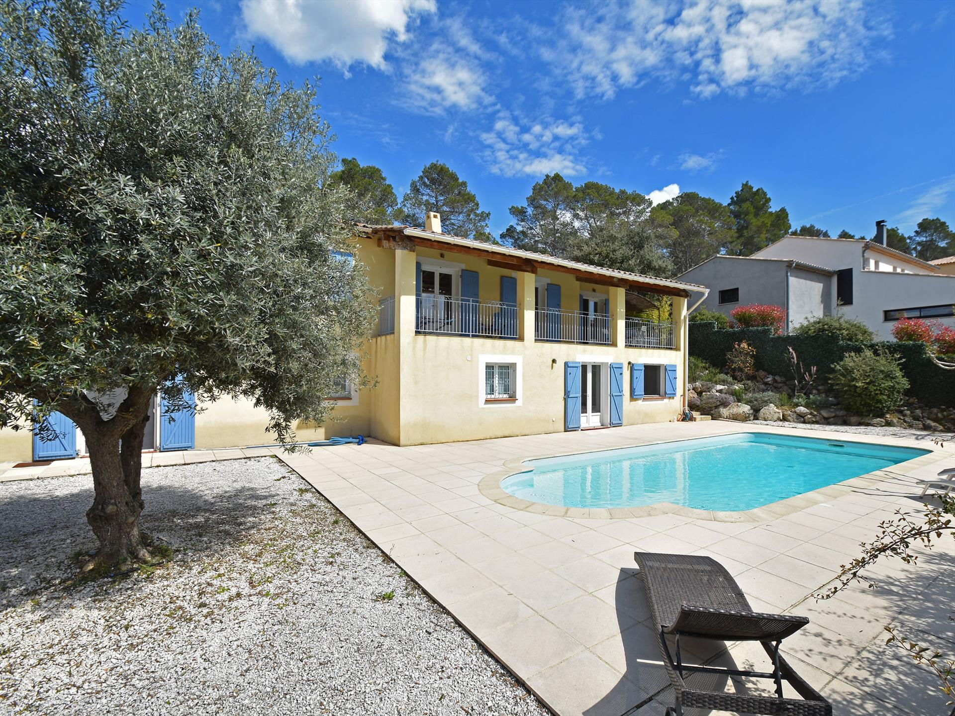 Vidauban, Beautiful and comfortable villa in Vidauban, in the Provence, France  with private pool for 10 persons...
