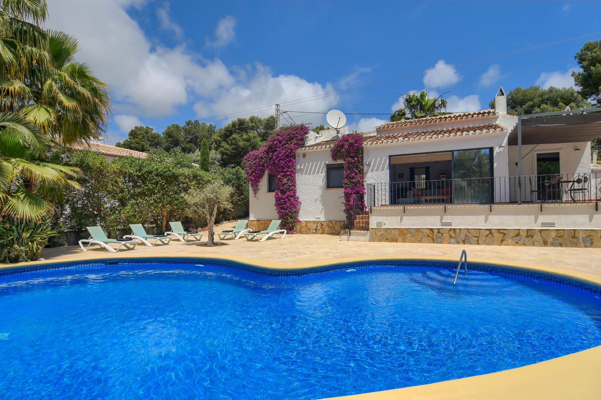Ancali 4 pax, Beautiful and comfortable villa in Javea, on the Costa Blanca, Spain  with private pool for 4 persons...