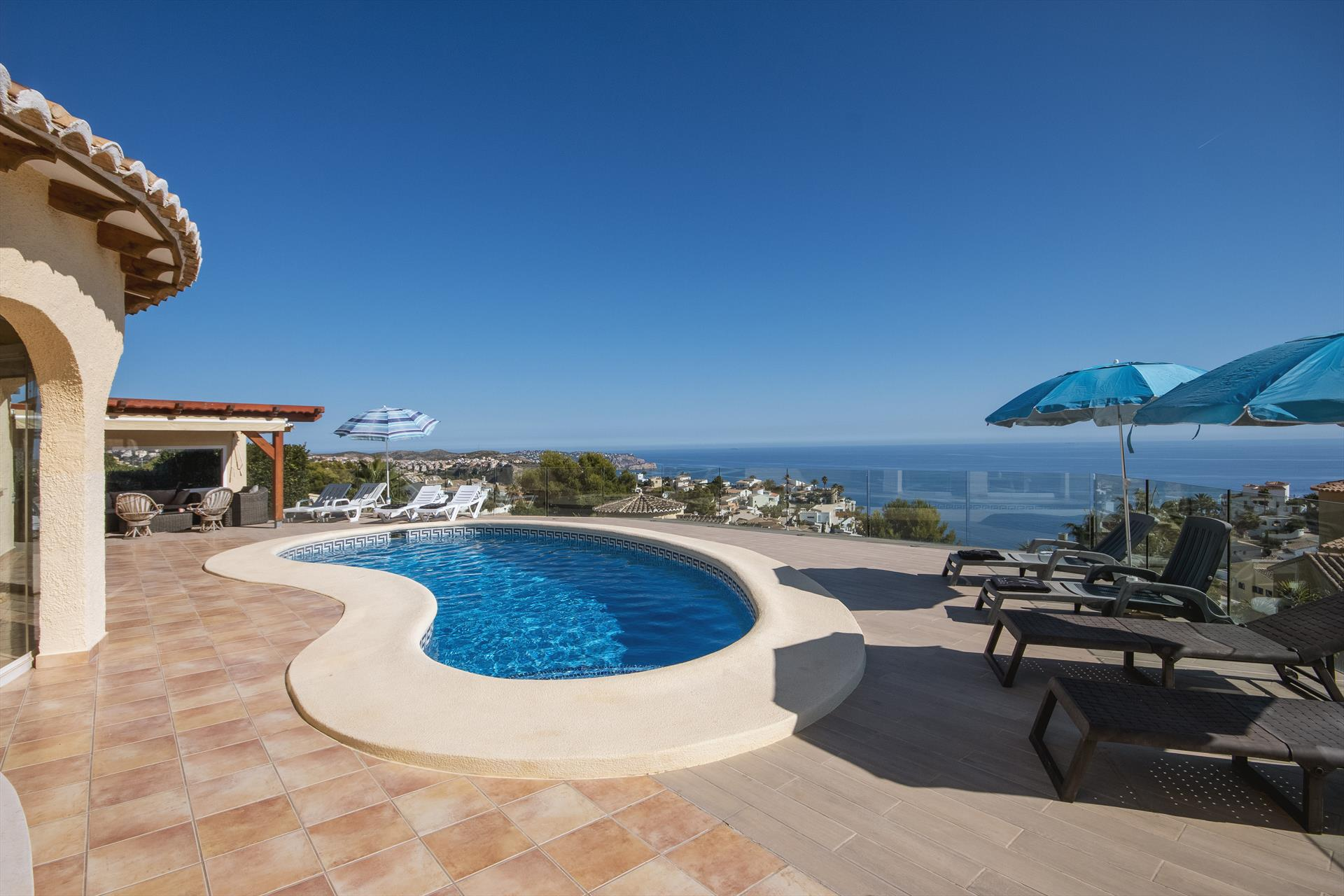 Carrevegas, Large and nice villa  with private pool in Benitachell, on the Costa Blanca, Spain for 8 persons.....
