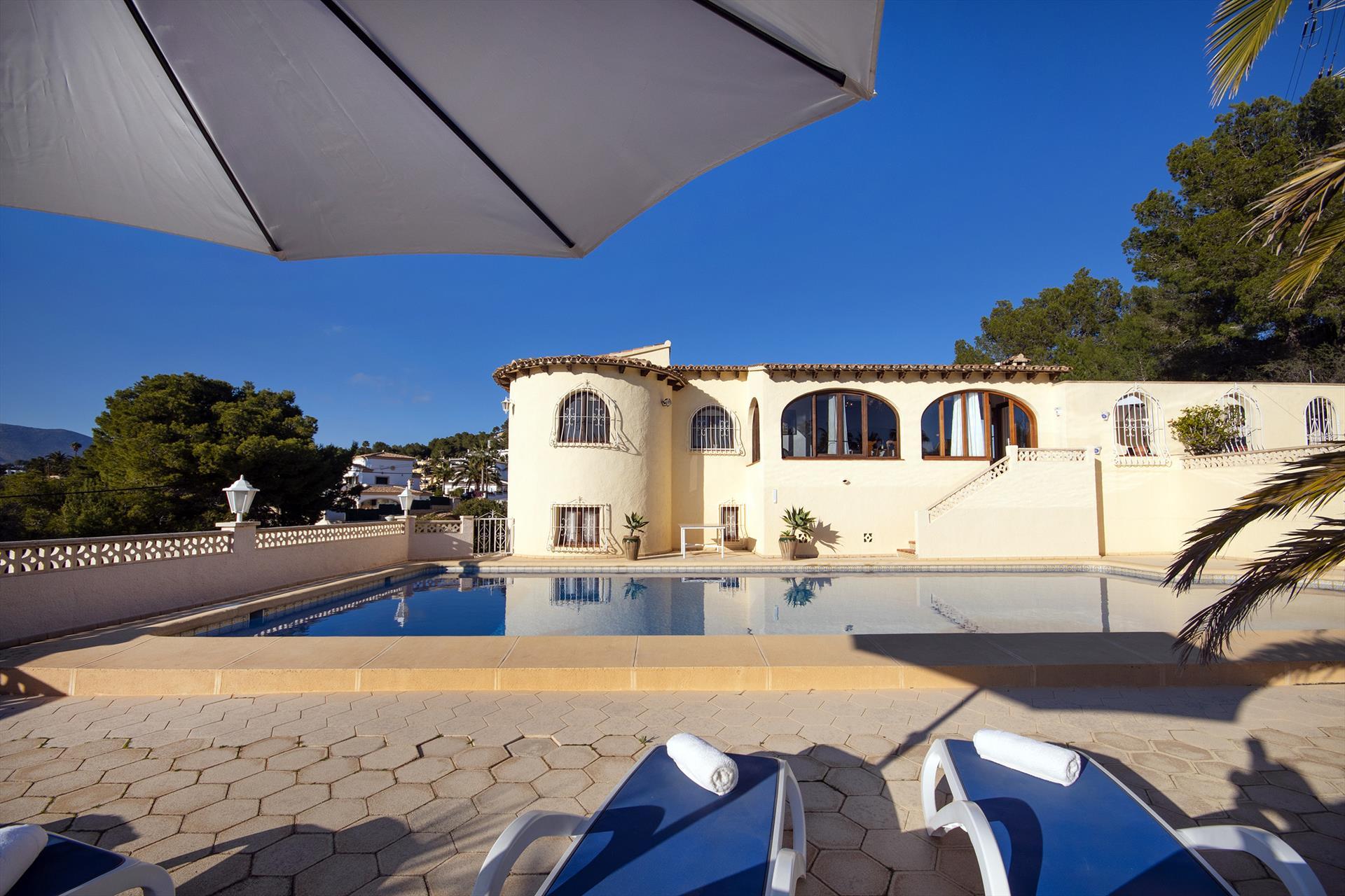 Heno 6,Grande villa charmante  avec piscine privée à Calpe, sur la Costa Blanca, Espagne pour 6 personnes.....