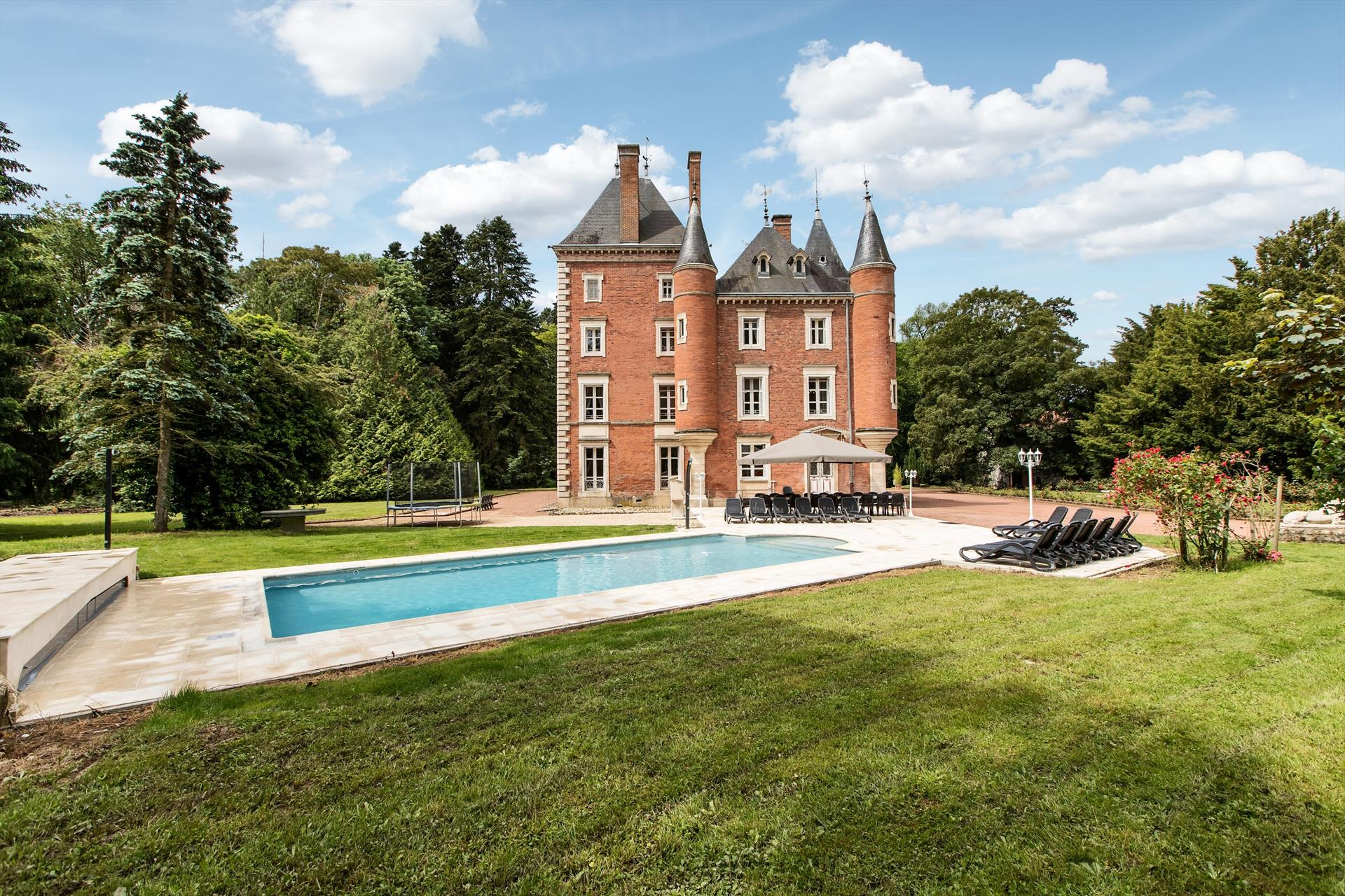Chateau simon, Wonderful and luxury castle  with heated pool in Arrondissement de Beaune, Burgundy, France for 20 persons...