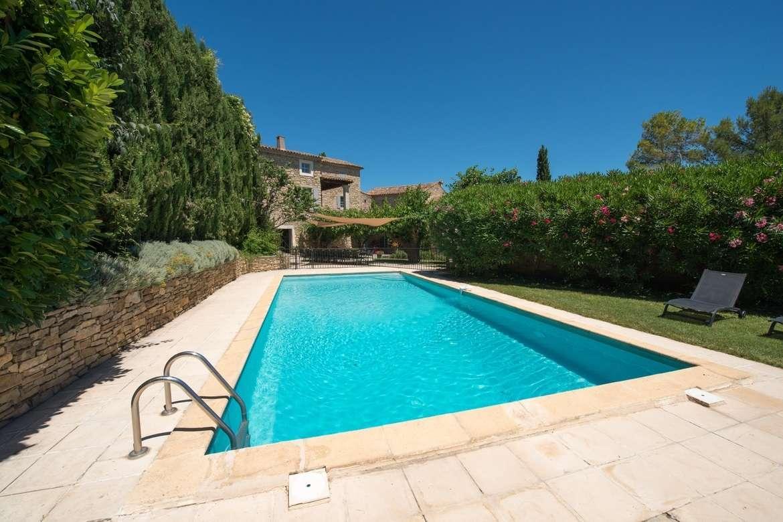 Mas des hirondelles,Casa de campo bonita y clásica en Martignargues, Languedoc Roussillon, Francia  con piscina climatizada para 22 personas...