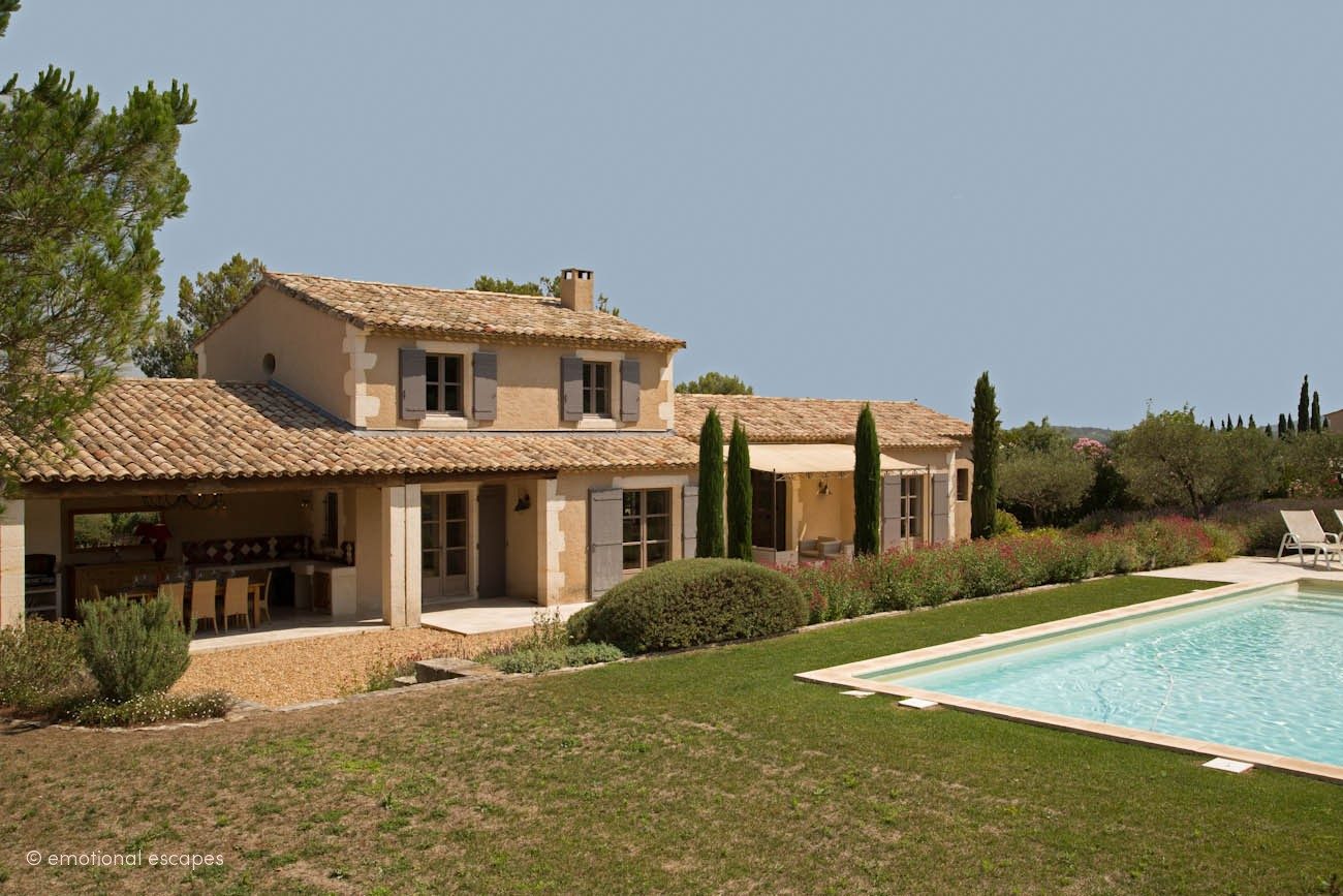 Le lavendin, Modern and classic villa  with heated pool in Eygalières, in the Provence, France for 10 persons...
