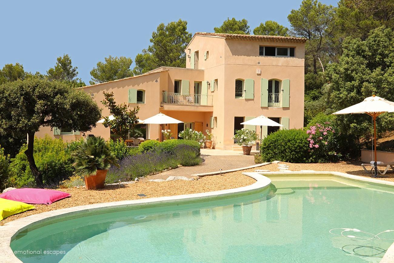 Villa margarita,Casa de campo preciosa y confortable  con piscina climatizada en Lourmarin, en la Provenza, Francia para 8 personas...